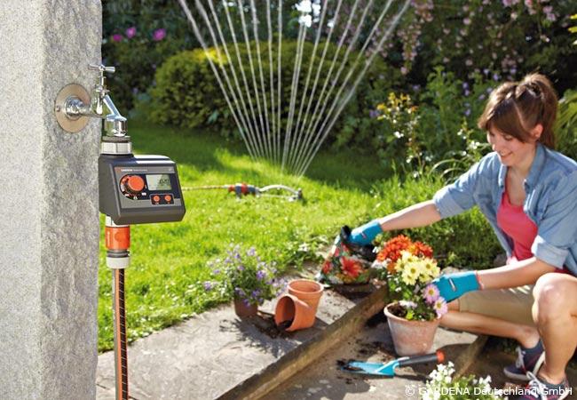 Automatische Gartenbewässerung mit Steuergerät