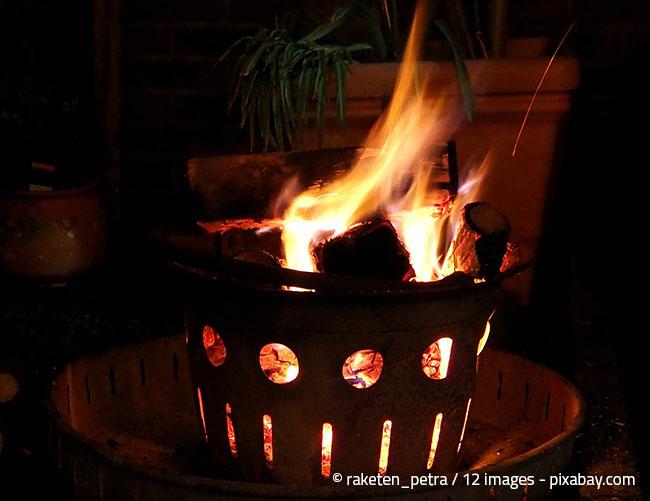 Wählen Sie den Standort für Ihre Feuerstelle besonders aus Sicherheitsaspekten gut aus!