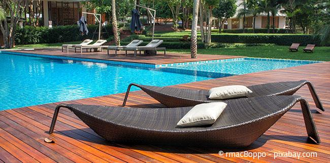 Rattanmöbel sorgen für perfektes Urlaubsfeeling in Ihrem Garten.