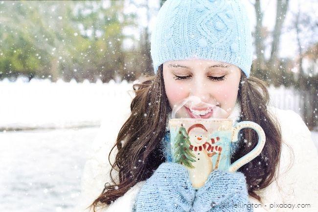 Zum Wintergrillen eignet sich ein heißer Punsch besser als ein kühles Bier.